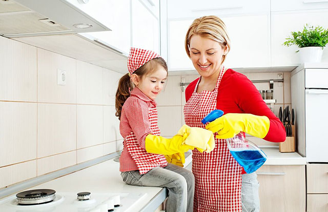 Cleaning-the-kitchen-needs-thorough,-meticulous-and-careful